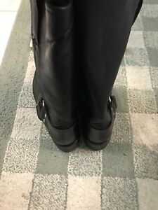 Authentic FRYE boots, size 9