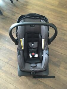 Evenflo litemax 35 infant car seat and base