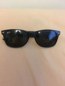 Used Ray ban wayfarer sunglasses