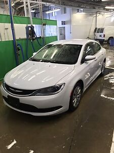 2015 Chrysler 200LX with only 60,000km.