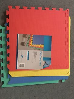 Rainbow 🌈 interlocking foam mats for playpen/ kids area