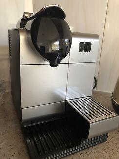 Delongi Nespresso coffee machine