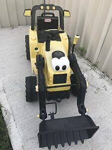 12V Tractor Little Tikes Catherine Field Camden Area Preview