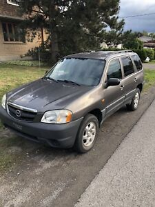 2004 mazda tribute. 4x4. V6. Low mileage