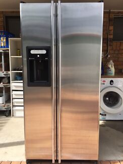 GE fridge 556L ,can deliver nearby for $50 plus .