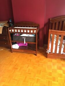 Baby Crib full set comes with mattress