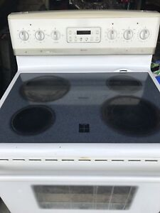 Frigidaire Gallery smooth top stove