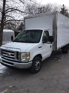 Ford e450 2009 cube 6 roues