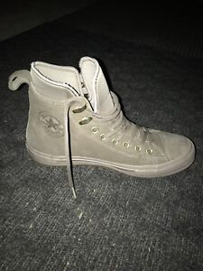 Converse high top boots size 9.5