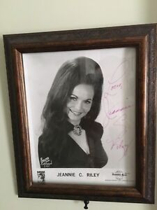 Hand signed photo Jeannie c Riley