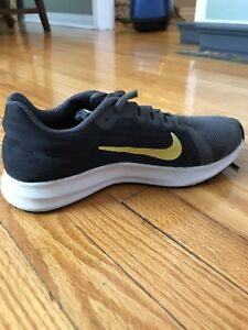 Boys Nike youth size 4 running shoes