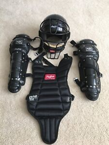 Rawlings catcher gear. BRAND NEW size youth
