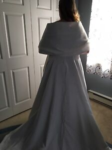 Size 16 wedding dress with veil and shawl