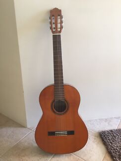 Excellent Yamaha Classical Guitar (with lots of extras)