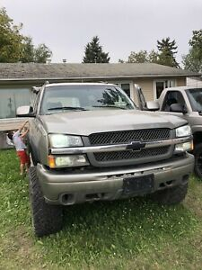 02 suburban modded and parts truck