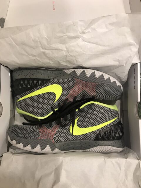 low priced 472d5 34601 Kyrie 1 Dungeon edition basketball shoes | Men's Shoes ...