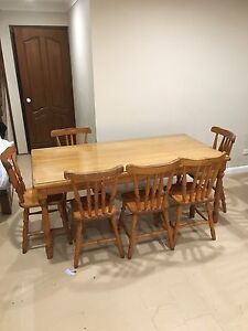 Dining Table & 8 chairs Gorokan Wyong Area Preview