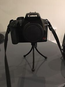 Canon Rebel XS w. Lens and Camera Bag