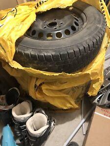 Pneus hiver avec roues 195/65 R15