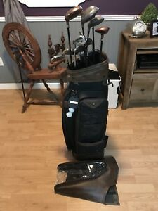 Custom made 14pc set of right handed golf clubs