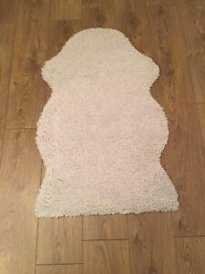 IKEA FARDRUP fake sheepskin rug.