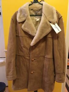 Never Worn Men's London Fog Lambskin Coat. Size is 46R