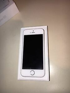 16gb iPhone SE (sold)