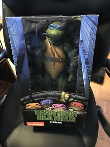 Neca 1/4 Leonardo TMNT SEALED