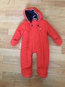 Baby snow suit size 3-6 months