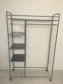 Clothes Rack FREE TO A GOOD HOME