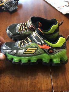 Boys sketchers light up sneakers size 13