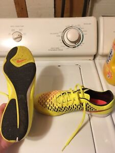 Size 10 Nike magista indoor soccer shoes.