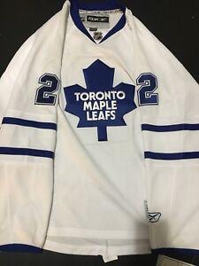 Signed Luke Schenn Toronto Maple leafs Jersey
