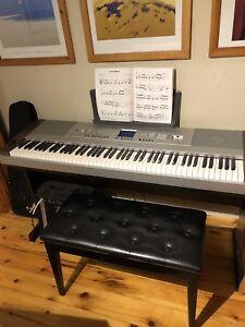 Yamaha Dgx-640 portable grand piano
