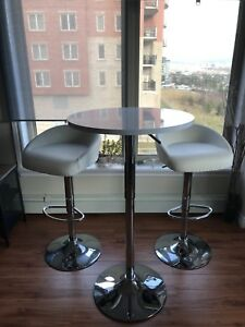 High Bar stools and table - perfect for kitchen nook