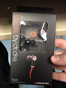 Beats by Dre tour earbuds need gone asap!