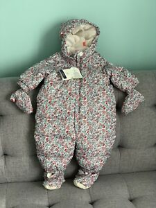 New Gap Snowsuit, 0-6 mnths