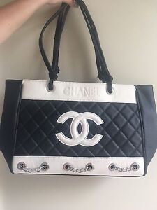 Medium size Faux Chanel Hand Bag