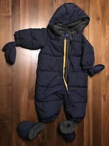Baby Gap down-filled snowsuit: 6-12 month