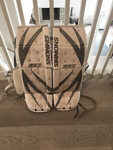 Simmons 994 goalie pads