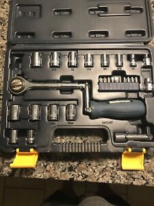 Mastercraft socket set with multidirectional ratchet