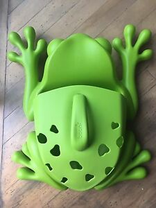 Boon, frog bath toy holder