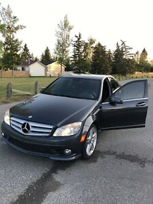2010 Mercedes Benz C350 - no accidents - fully serviced