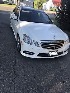 MERCEDES-BENZ E350- low kms- mint!