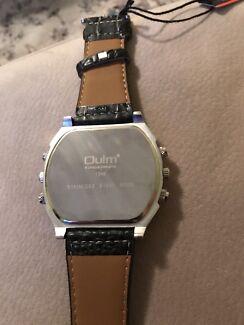 2015 Luxury Men's Oulm Stainless Steel Wrist Watch