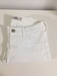 Size 1R like new white hollister skinny jeans