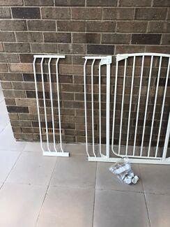Baby stair/door guard