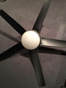 HAMPTON BAY CEILING FAN/. LIGHT With Remote control
