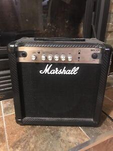 MARSHALL MG15CF AMP