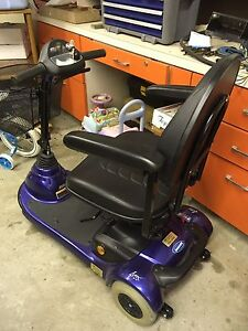 Invacare lynx L-3 mobility scooter